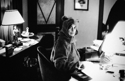 Susan-Sontag-Bear-Suit-Annie-Leibovitz