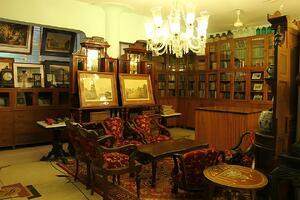 Sanjiv_Jain_showroom
