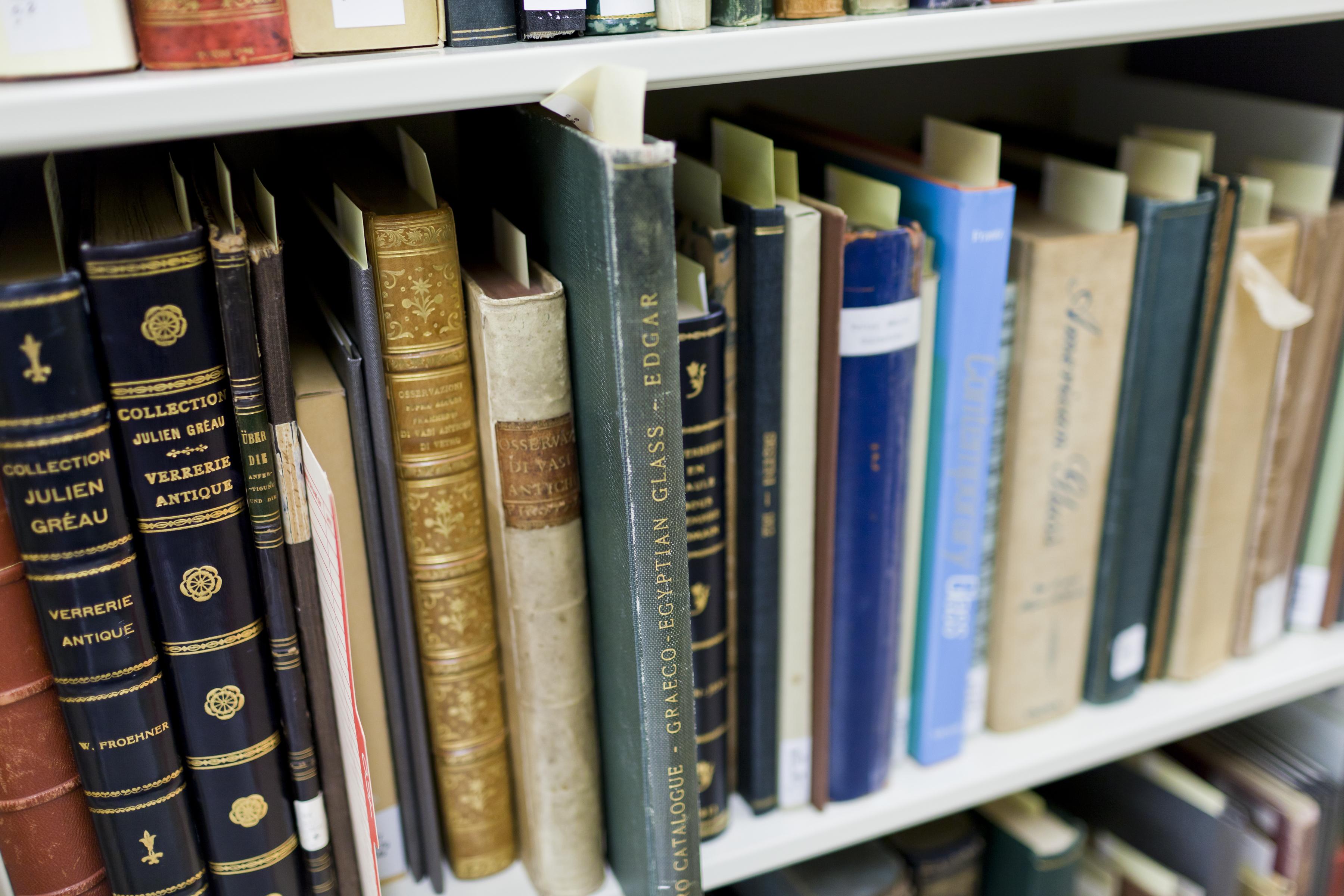 rare-books-ghosting