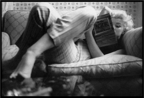 Marilyn-Monroe-Reading
