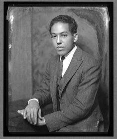 Young_Langston_Hughes