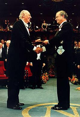 Dario_Fo_Nobel_Prize