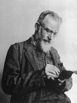 680px-George_Bernard_Shaw_notebook.jpg