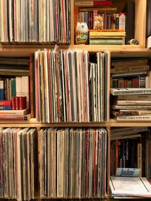AG_bookshelf