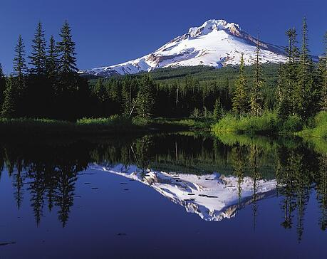 Mount_Hood_reflected_in_Mirror_Lake_Oregon_PD.jpg