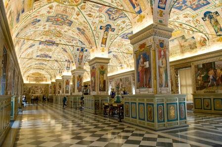 Sistine_Hall_Vatican_Library_CC