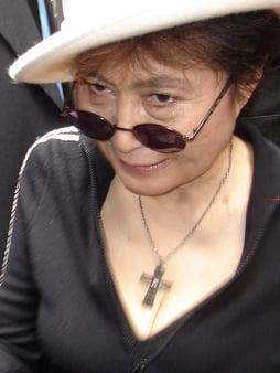 Yoko_Ono_2007.jpg