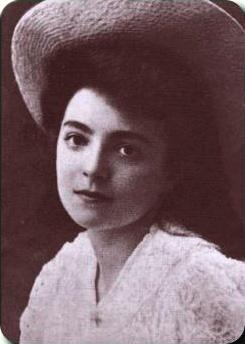 Nelly_Sachs_1910.jpg